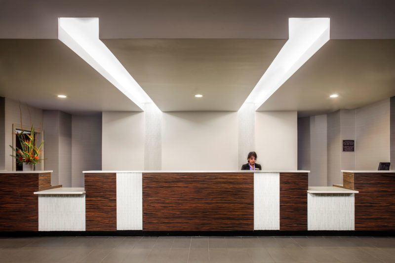 Crowne_Plaza_Front_desk_5_22_2014_0878_HIRES