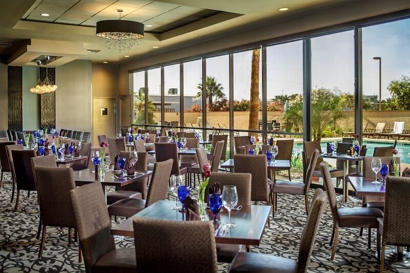Crowne Plaza Dining Area