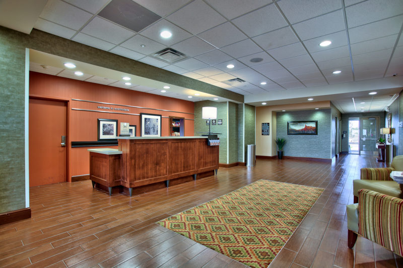 Hampton Inn & Suites entrance