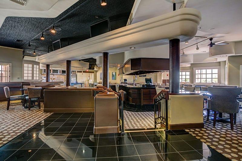 Hilton Phoenix Airport bar