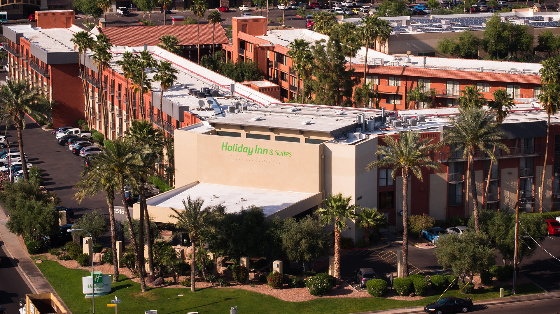 Holiday Inn 44th Street Phoenix Airport from drone