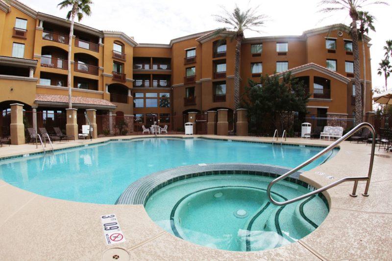 Holiday Inn Ocotillo Chandler Pool