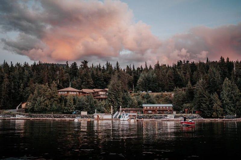 Salmon Falls Resort Alaska exterior